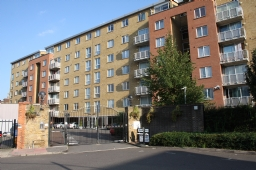 Property to rent : Regent Court, 1 North Bank, Lodge Road, London NW8
