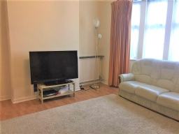 Property to rent : Michleham Down, London N12