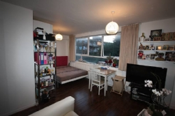 Property to rent : High Mount, Station Road, London NW4