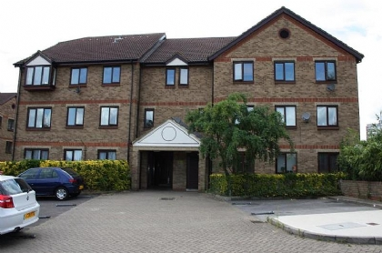 Property to rent : Chalice Court, Deanery Close, London N2